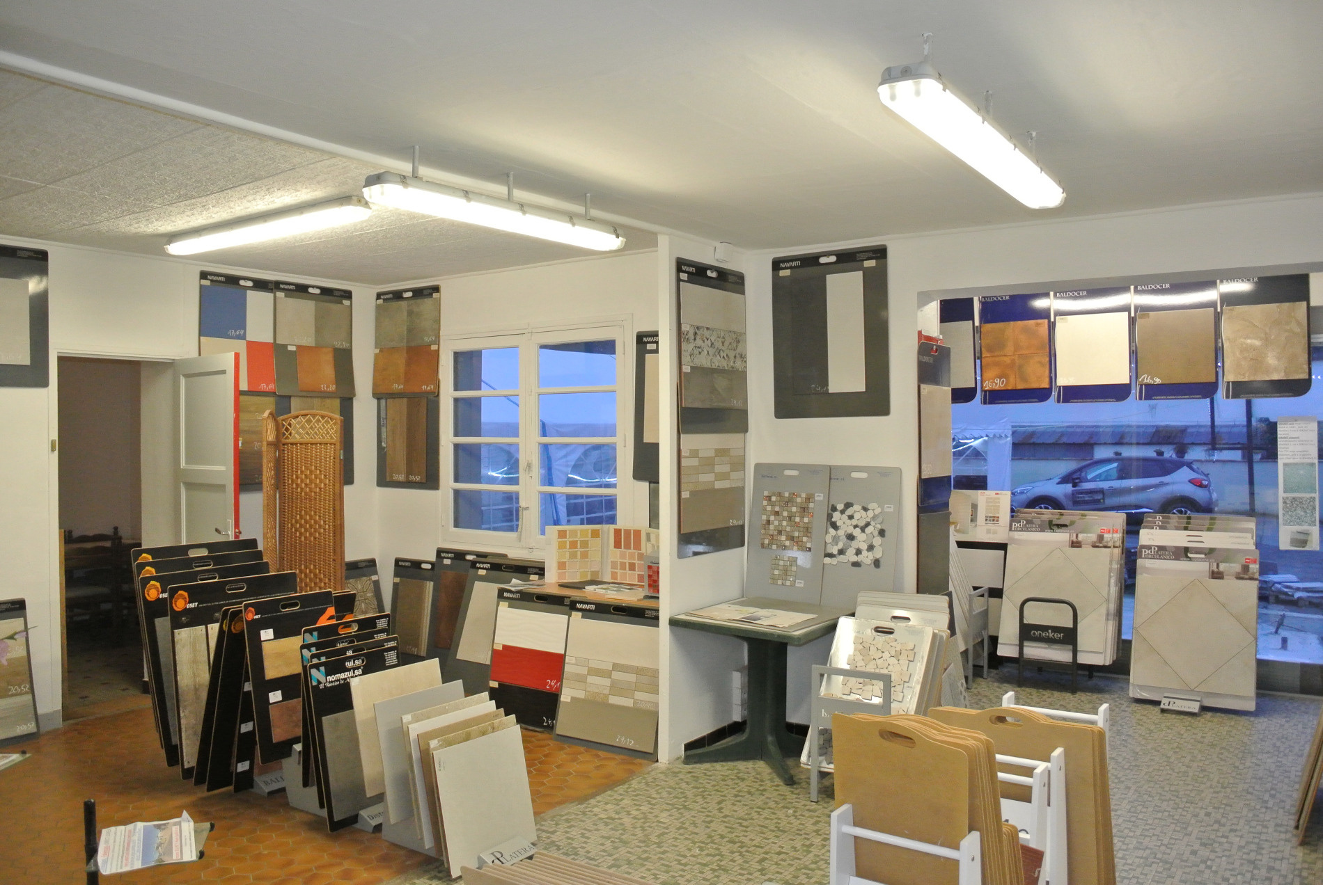 local vendre de 110 m marmande 47200 au prix de 131 600. Black Bedroom Furniture Sets. Home Design Ideas