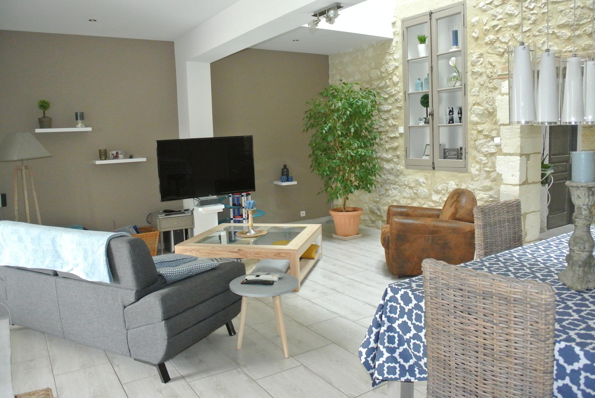maison vendre de 180 m marmande 47200 au prix de 279 000. Black Bedroom Furniture Sets. Home Design Ideas